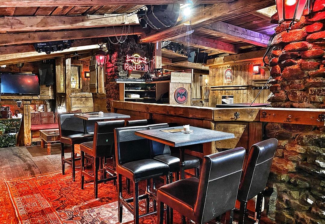 bar ambiance à Chamonix
