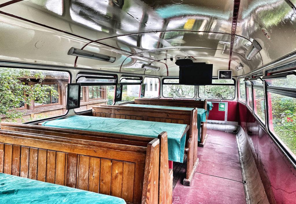 intérieur index bus rouge